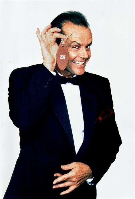 imagenes de jack torrance jack nicholson as jack torrance brandishing the key to