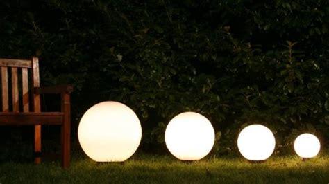 sfere illuminazione giardino arredo giardino sfere luminose
