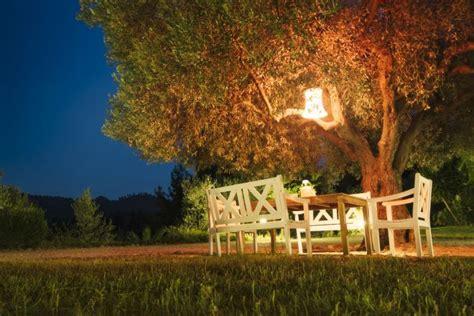 illuminare giardino luce da esterno 9 modi per illuminare bene il giardino