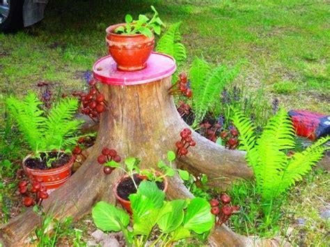 what to do with plant stump as christmas decoration outdoors 20 recycle tree stump ideas page 2 of 3