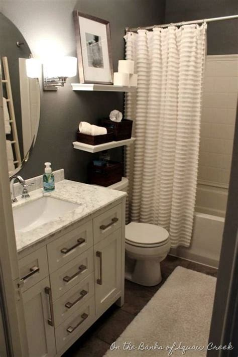Small Bathroom Ideas Decor 25 Best Ideas About Small Bathroom Decorating On Bathroom Organization Small Guest