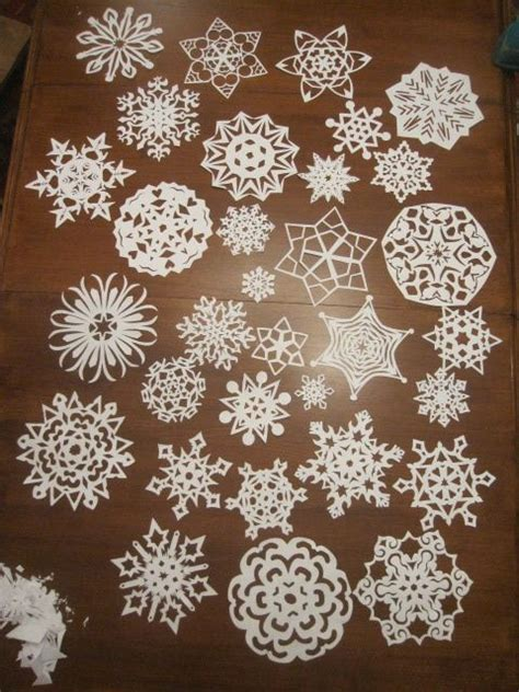 How To Make Small Snowflakes From Paper - best 25 paper snowflakes ideas on 3d paper