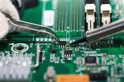 electronic repair   left  professionals