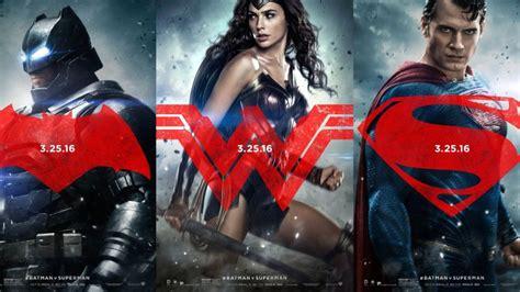 imagenes de wonder woman en batman vs superman 3 new batman v superman posters feature batman superman