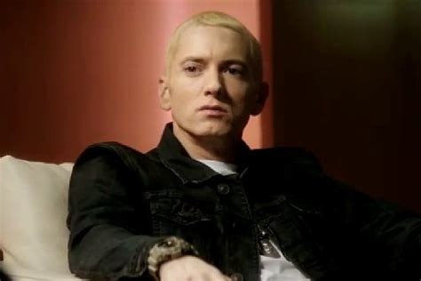 Eminem Coming Out The Closet by Eminem Comes Out As In The Clip