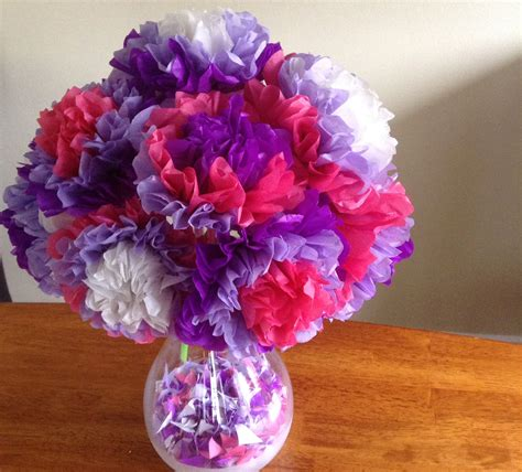 How Many Sheets Of Tissue Paper To Make Pom Poms - easy tissue paper flowers