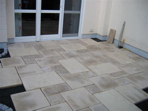 Terrasse Betonplatten by Terrassenbau Gartenterrassen Frankfurt Gr 252 Ner Leben