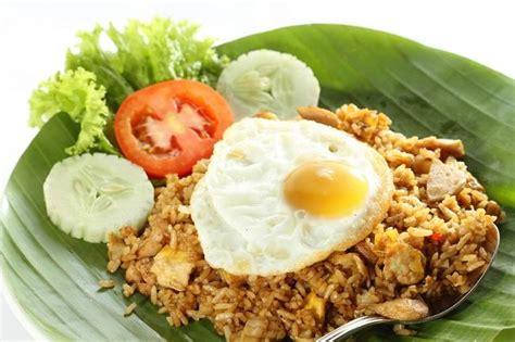 cara membuat nasi goreng warungan cara lebih sehat membuat nasi goreng alodokter