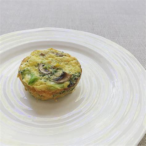 cara membuat omelet telur ala hotel cara membuat telur omelet di dalam mug dengan microwave