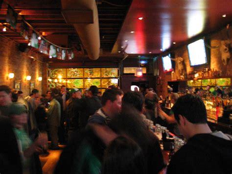 Garage Bar Chicago by Chicago Cortland Garage With Photo Via Planet99
