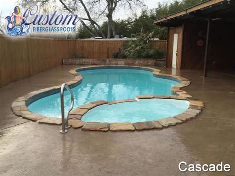 pools with spas cascade pools with spa fiberglass pools and spas