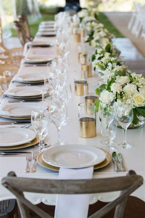 Hochzeit Tischdeko Blumen by Hochzeit Fr 252 Hling Tischdeko Langer Tisch Goldene Akzente