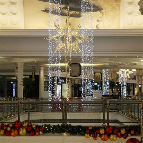 how to decorate indoor column for xmas led led light columns and decorated garlands canal walk 2014 171 tmcc