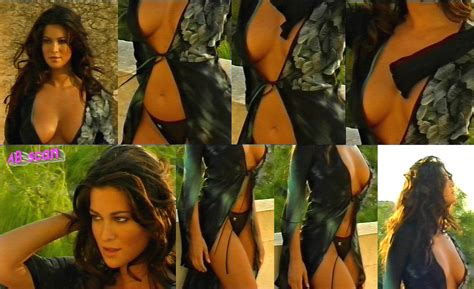 Manuela Arcuri Nude Pics Page