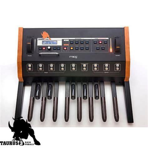 Taurus T Di Mk2 Bass Pre 1 moog taurus 3 bass pedal synthesizer at gear4music