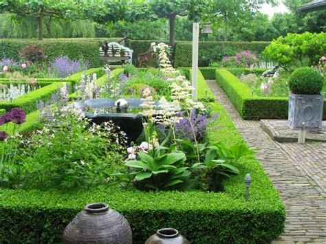 verschillende stijlen tuin tuin van de week mix van stijlen en bijzondere planten
