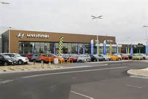 Hyundai Dealers Hyundai Hyundai Reveals New Retail Look Goauto