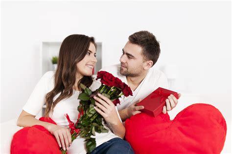 Dijamin Wanita St 2114 A 7 hal romantis dan manis yang diinginkan wanita kelas cinta