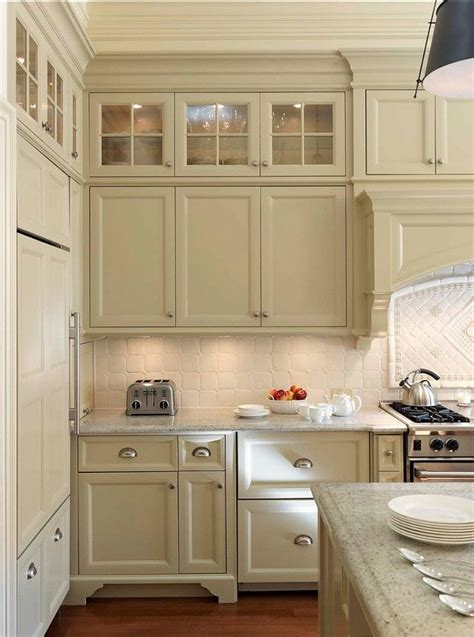best white paint for kitchen cabinets benjamin moore 17 best ideas about cream colored cabinets on pinterest