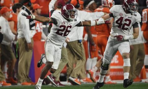Alabama Football Student Section by Clarifying The Rule On Alabama S Onside Kick The Student