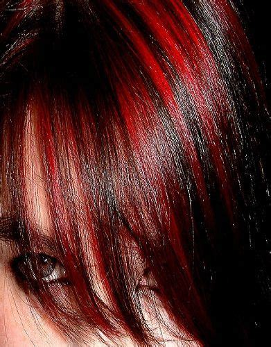 hairstyles with brown hair and red highlights red highlights in dark brown hair a cool choice for you