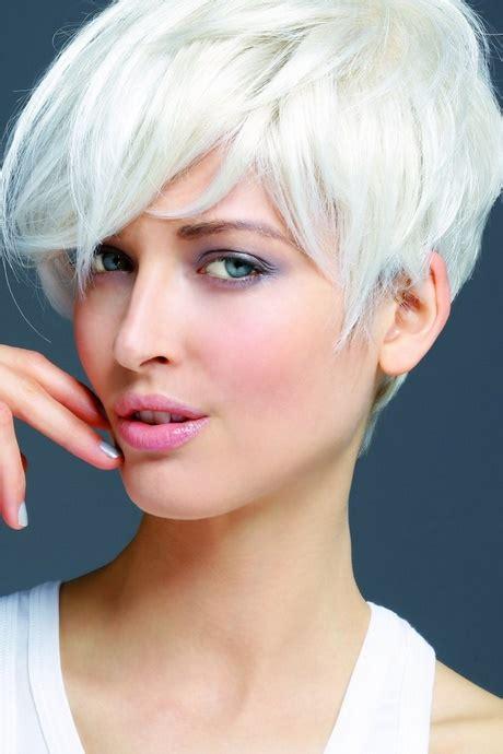 coiffure femme cheveux blancs