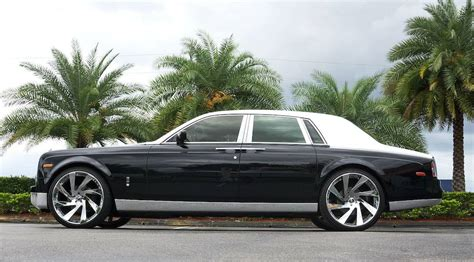 rolls royce chrome chrome accented rolls royce phantom by metro wrapz