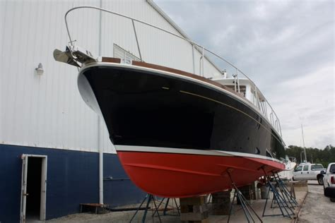 boat bottom paint red 38 grand banks catalyst