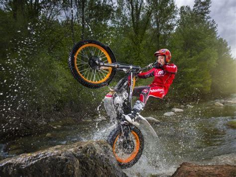 Trail Motorrad by Honda Bietet Zwei Neue Trial Motorr 228 Der An Auto Motor