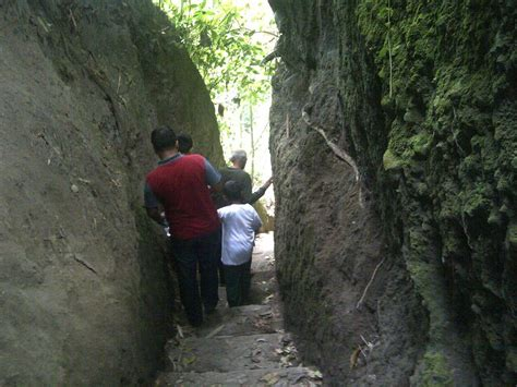 Batu Gambar Kunti khusus buat yang berani 9 wisata misteri yang ada di