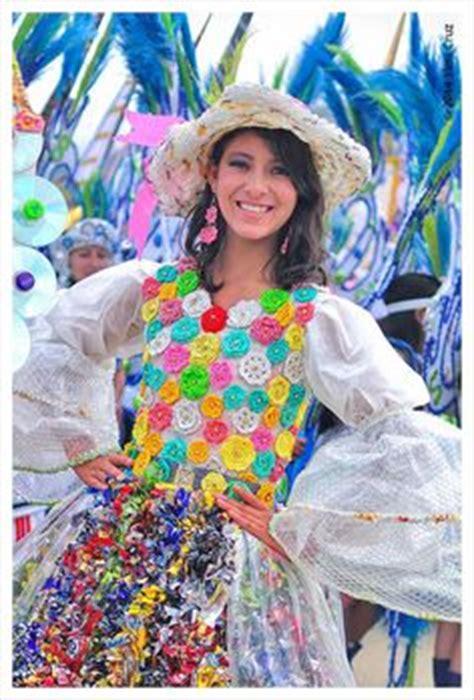 vestido con material reciclado 1000 images about traje material reciclado ana on
