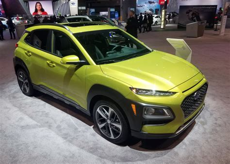 local color unusual paint hues    chicago auto show  daily drive consumer guide