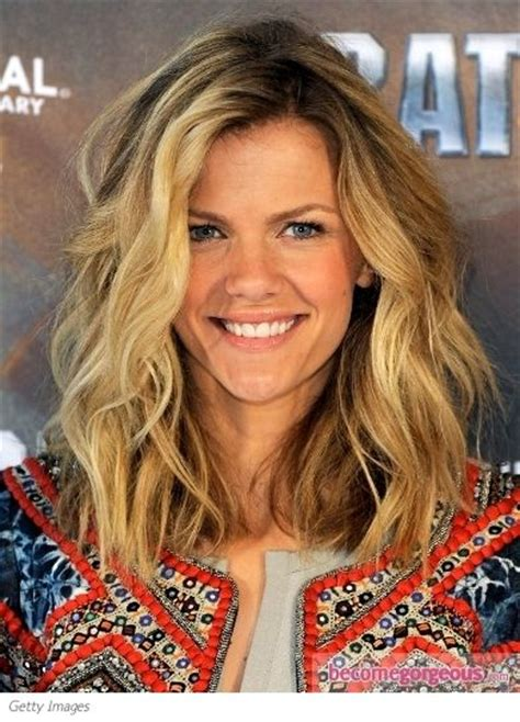 hairstlyes medium lenght beach wave brooklyn decker beachy waves and google on pinterest