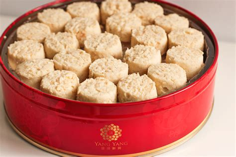 new year almond cookies canadian living best new year goodies 2016 sg