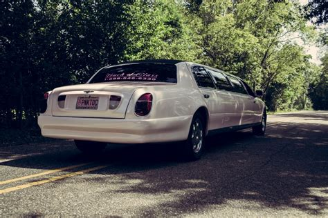 pink bentley limo bentley stretch limousine touch of class limousine