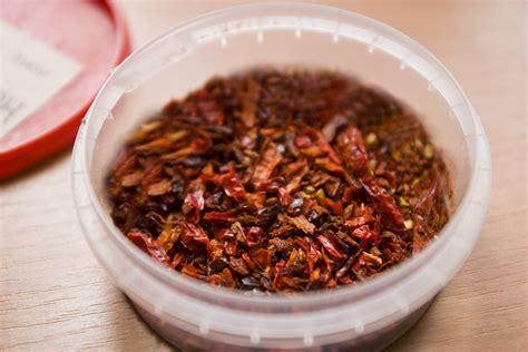 scorpioni in casa cosa fare come preparare in casa i fiocchi di peperoncino rosso