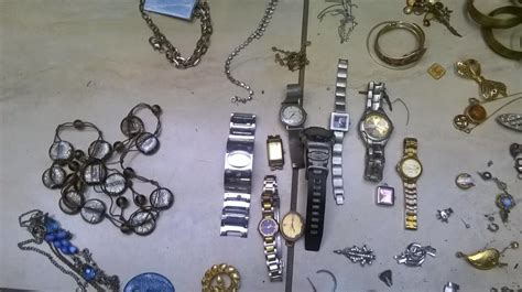 suspects arrested and stolen jewelry recovered in