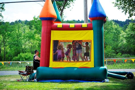 Jumpy Houses by 1 Dead As Bouncy Castle Floats Witnesses Say