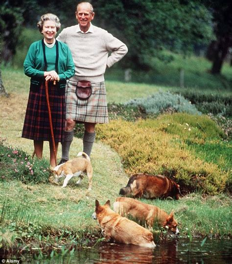 how many corgis does the queen have my pedigree chum for the first time a royal corgi