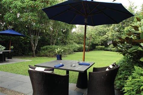 99 rest backyard cafe pantip 昼食 緑まぶしい郊外カフェ 99 rest backyard cafe タイ バンコクのdaco ダコ