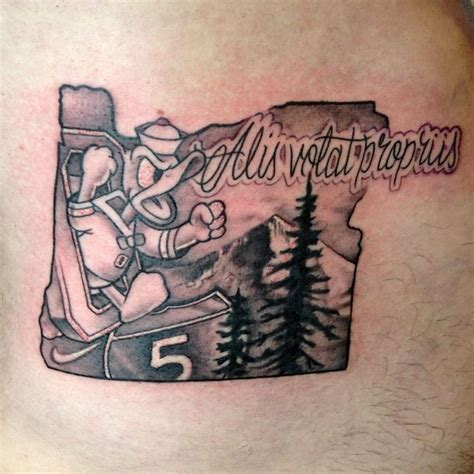 oregon ducks tattoo designs best 25 oregon ideas on