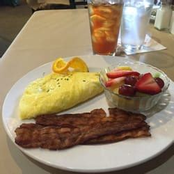 hearth room cafe hearth room cafe 11 photos 45 reviews breakfast brunch 265 l and lantern vlg