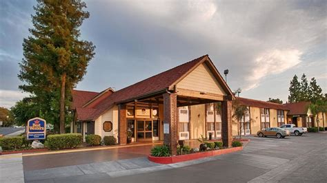 town country inns best western town country lodge 2017 room prices deals