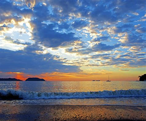 wallpapers beach colorful wallpaper of colorful sunset in the guancaste costa rica