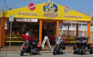hot dog house nj new jersey s maui s dog house has the best hot dogs in america