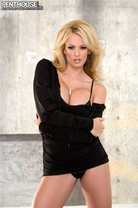 stormy daniels couch pornstar stormy daniels shows her big tits hot girls