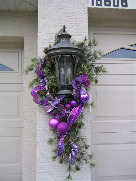 swag christmas lights outdoor christmas swags garage and coaches on pinterest