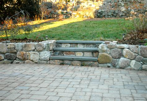 how much does a stone paver patio cost