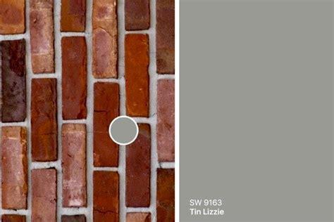 gray colors    red brick