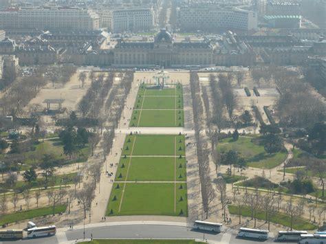 giardini louvre vista dalla tour eiffel sui giardini chs de mars ed in